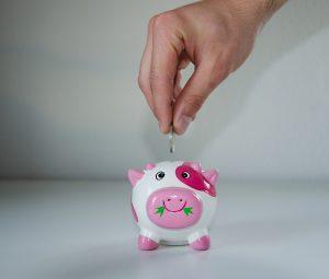 como ahorrar dinero en casa sin gastarlo