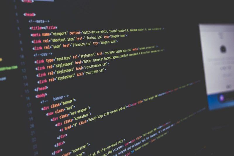 código en computadora soporte tecnico